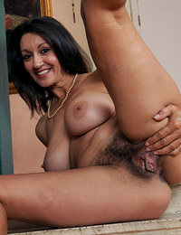 hairy arab pussy pics