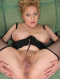 ebony hairy pussy creampie pics