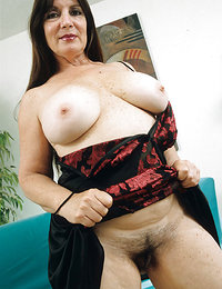 free young hairy pussy pics