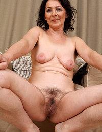 chubby hairy pussy pics